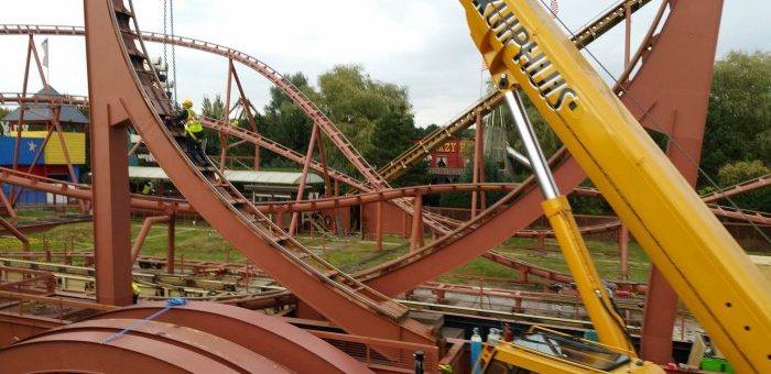 Afbraak van de Looping Star in Attractiepark Slagharen