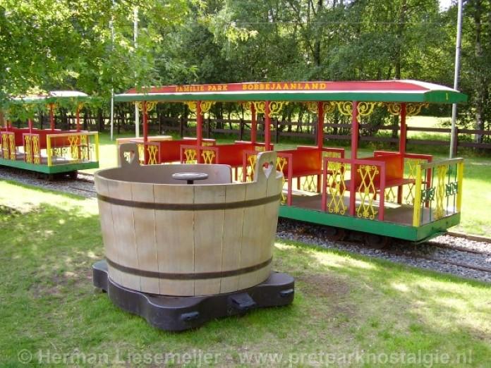 Bobbejaanland - Texas Train en Funny Barrels