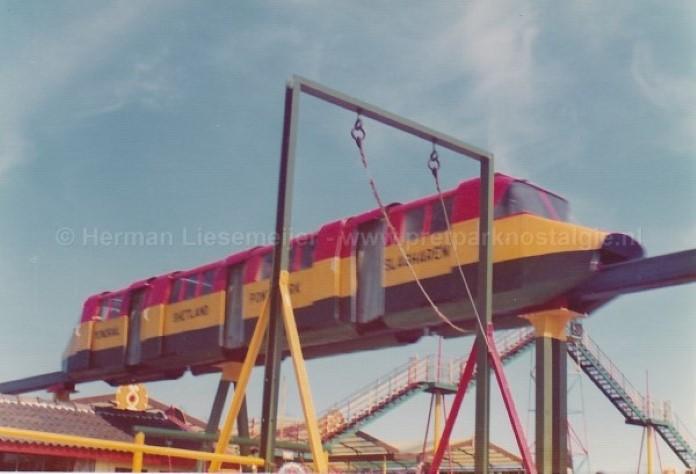 Kleine monorail Slagharen jaren 70