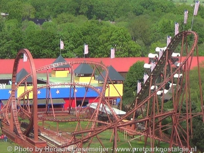 Looping Star aka Thunder Loop in Attractiepark Slagharen