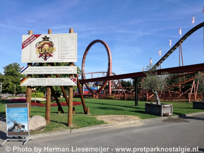Thunder Loop Attractiepark Slagharen