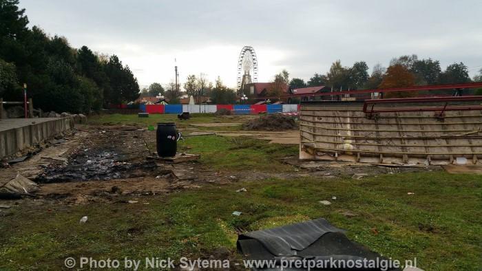 Afbraak van de Looping Star in Attractiepark Slagharen 30-10-2016