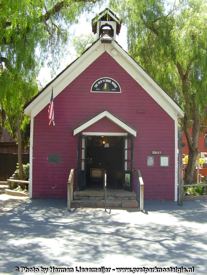 Knott's Berry Farm - Schoolhouse