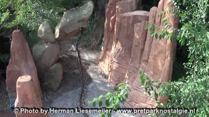 Gardaland - Restanten van de verloren attractie Canyons