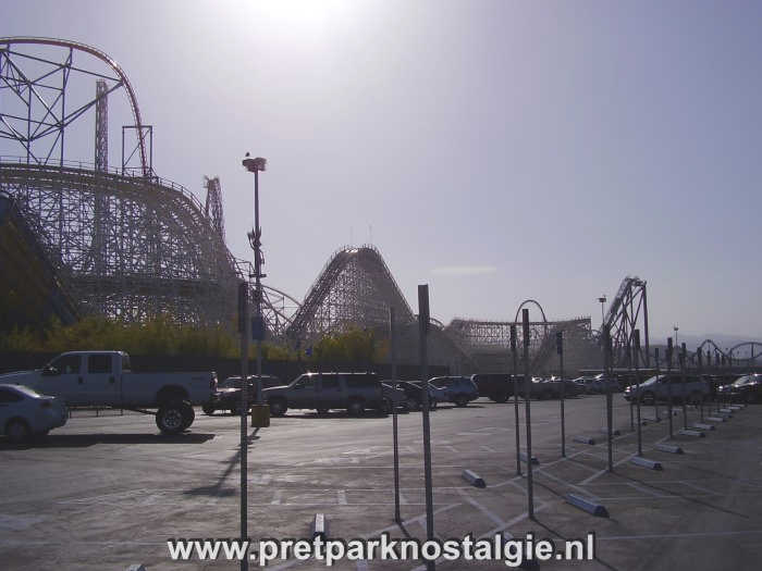 Six Flags Magic Mountain - Kolossus