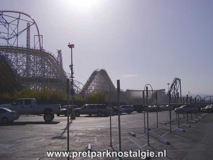 Six Flags Magic Mountain - Kolossus
