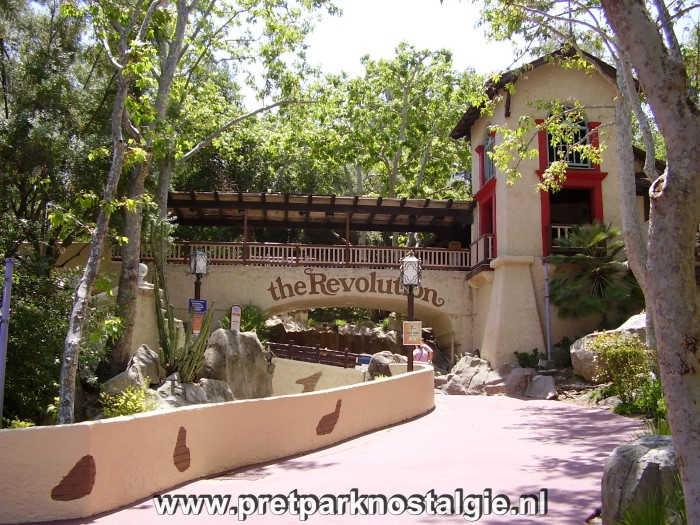 Six Flags Magic Mountain - Revolution