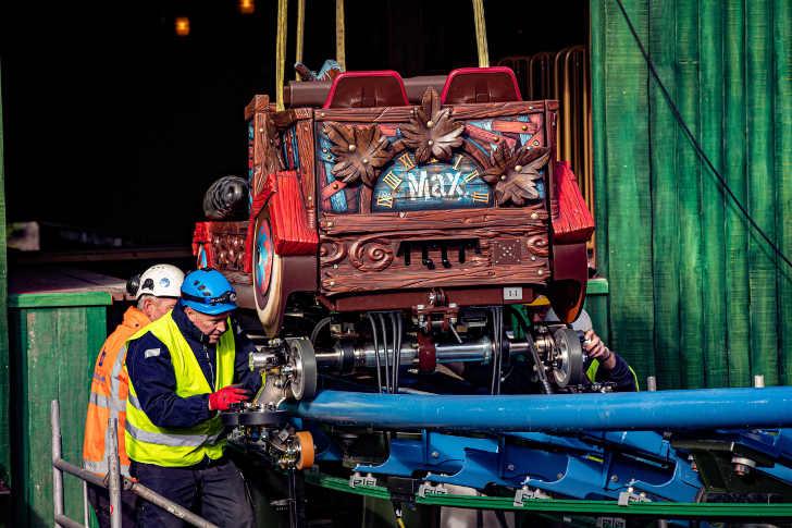 Eerste treinstel van Max & Moritz arriveert in de Efteling